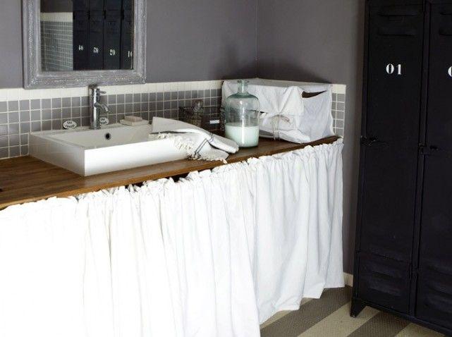 meuble salle de bain bois rideau