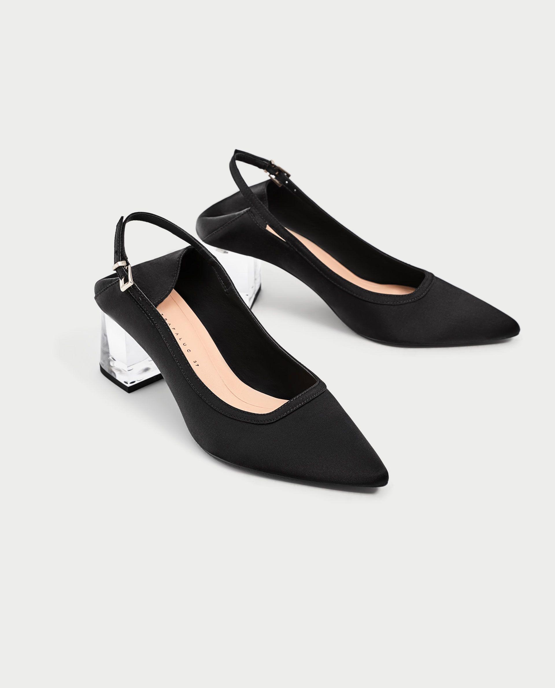 dad83440 Zapatos destalonados con tacón de metacrilato, de Zara (de euros a euros).