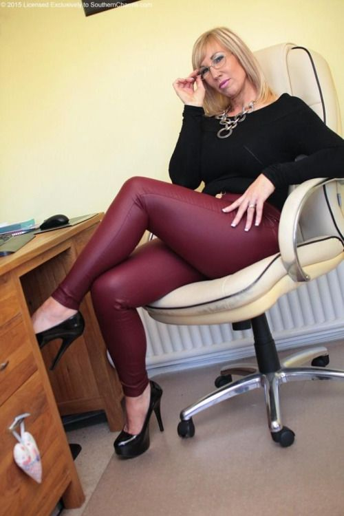 Pin By Emma Satin On Things To Wear  Sexy Older Women -5583