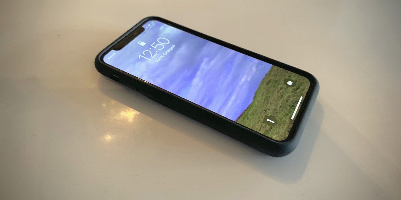 Handson using an iphone smart battery case for the first
