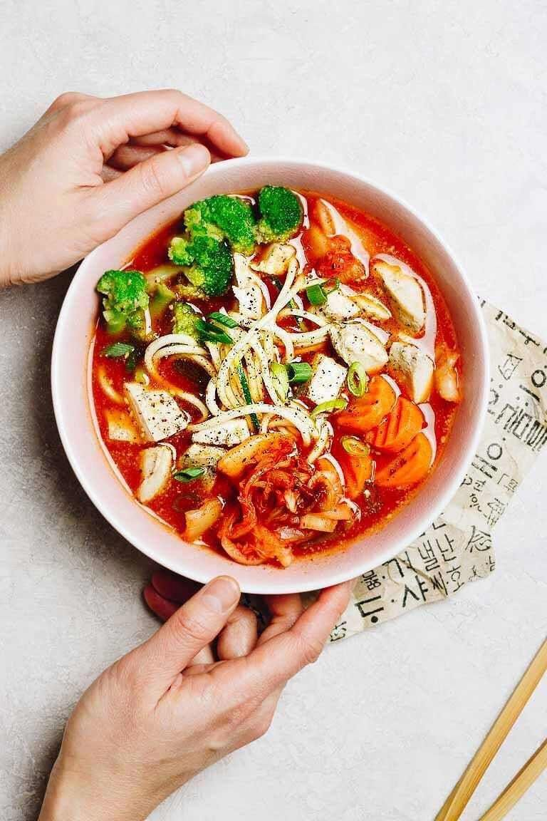 Whole30 Cup Noodles are healthy gluten-free and easy no cook. 3 flavors - Umami chicken 'miso', Spicy kimchi, and creamy Thai coconut curry. Just add hot water and enjoy the most healthy instant Chicken Cup Noodles! #CupNoodles #CupNoodlesRecipes #GlutenFreeCupNoodles #HealthyCupNoodles #HomemadeCupNoodles #Whole30CupNoodles #EasyWhole30Recipes #InstantCupNoodles #LowCarbCupNoodles #IHeartUmami #KetoCupNoodles #InstantNoodleCups #WhatFoodsToEatOnKetoDiet