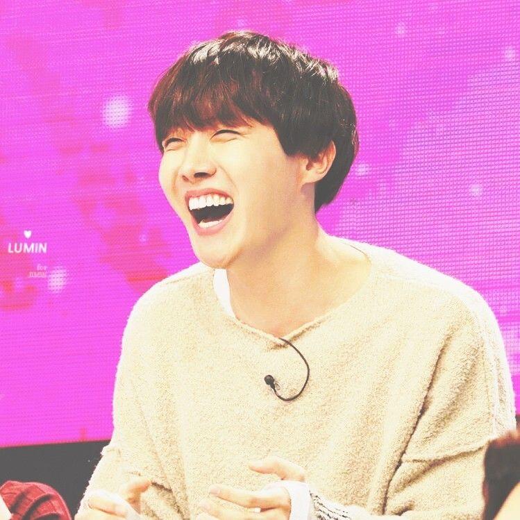Kpop Idols Laughing Kpop Idols Laugh Kpop Laughing Happy Laughing Laughing Jhope Laugh Bts J Hope Hoseok Jung Hoseok