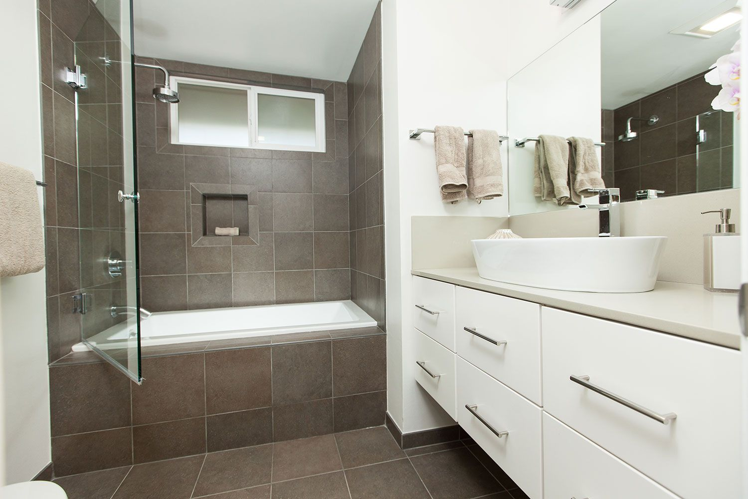 Featured Bathroom Design Gallery Page 1 Floating Bathroom Vanities Bathroom Redesign Bathroom Remodel Designs