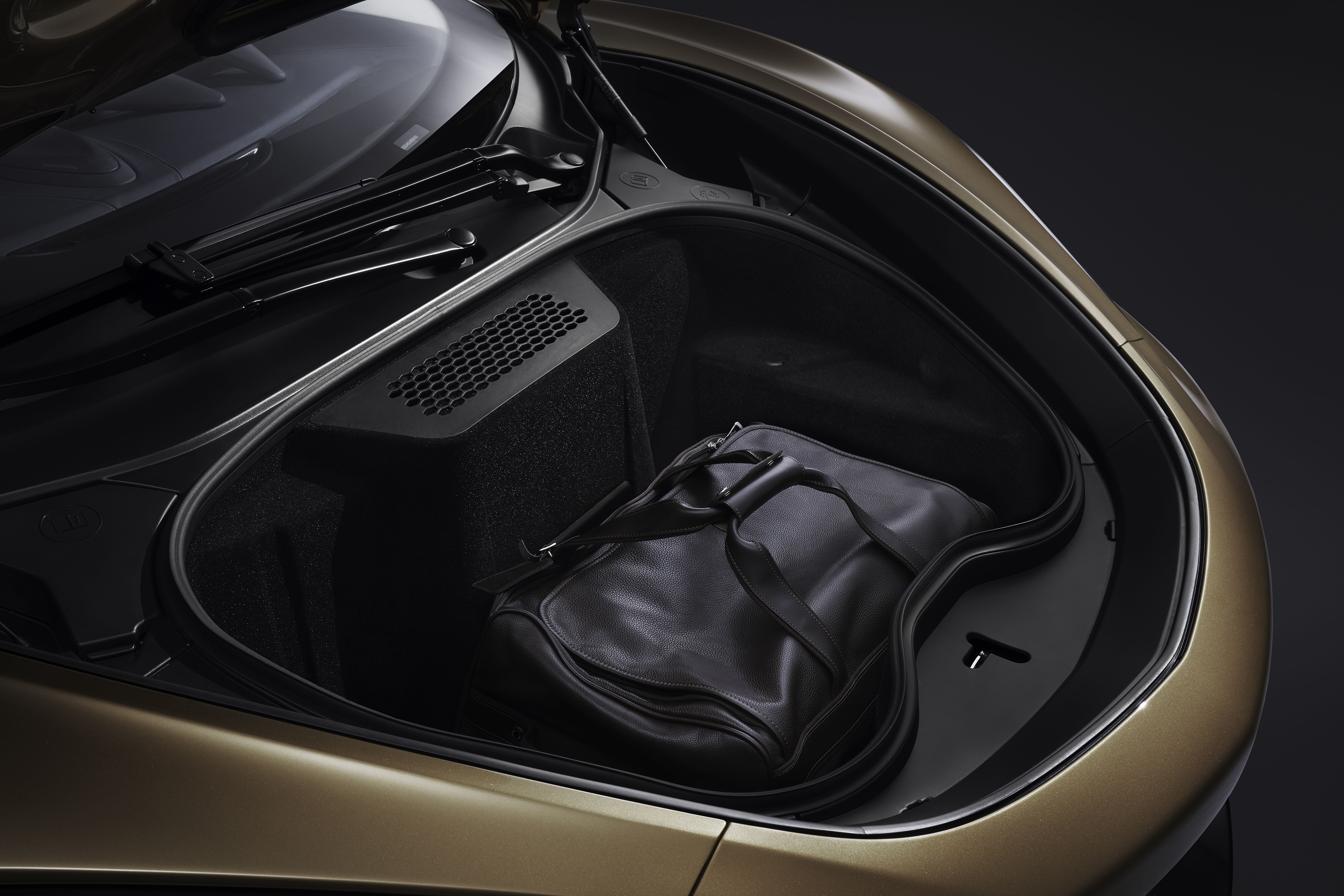 The Mclaren Gt Offers More Trunk Space Than Some Sedans New Mclaren Super Cars Mclaren
