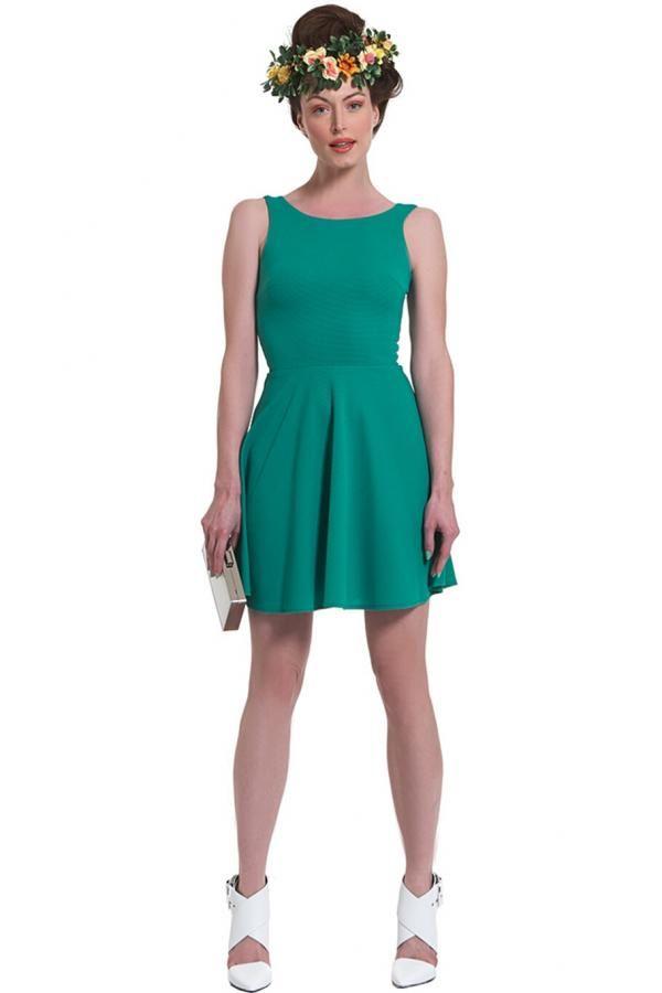 fa0268172122 Φόρεμα πικέ ελαστικό πάνω από το γόνατο με στενό μπούστο και κλος φούστα με  V πλάτη