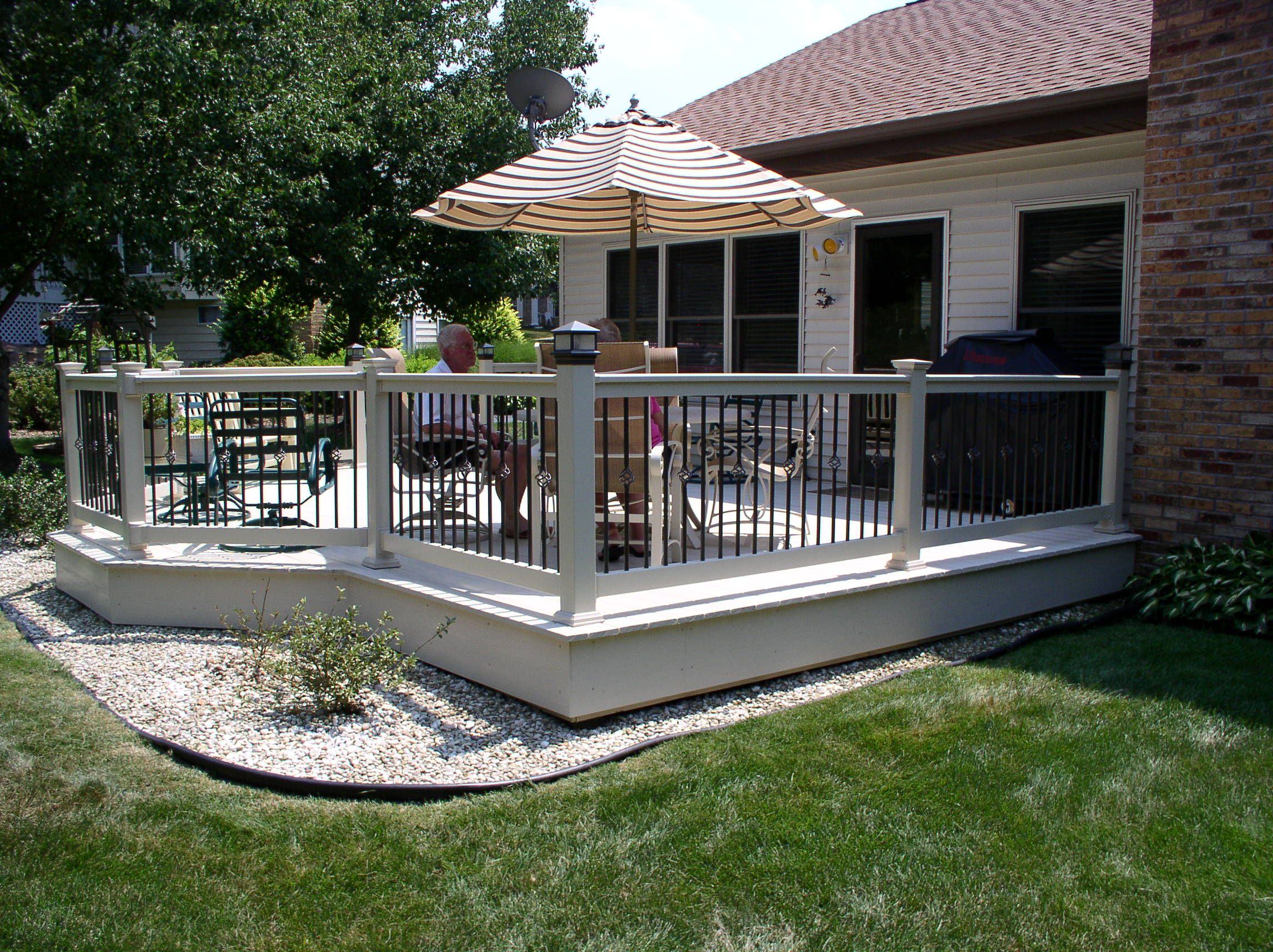 Vekadeck Vinyl Deck And Railing With Aluminum Balusters By Chesterfield  Fence U0026 Deck ...