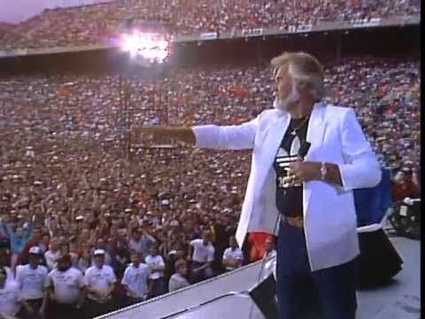 Kenny Rogers Performs She S A Mystery Live At The Farm Aid Concert In Champaign Illinois On September 22 1985 John Mellencamp Dave Matthews Family Farmer