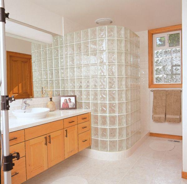 glasbausteine fr dusche hlzerner schrank daneben - Dusche Mauern Glasbausteine