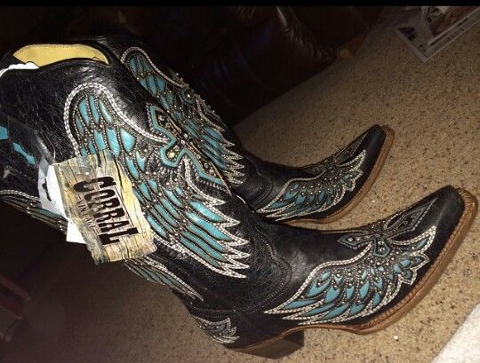 I love it #cowboyboots #corral #cowgirl