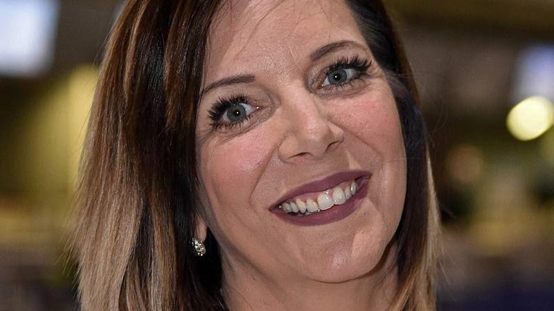 Daniela Buchner Pikantes Angebot Jetzt Kommt Alles Raus In 2020 Coole Kurzhaarfrisuren Frisuren Sonja Zietlow
