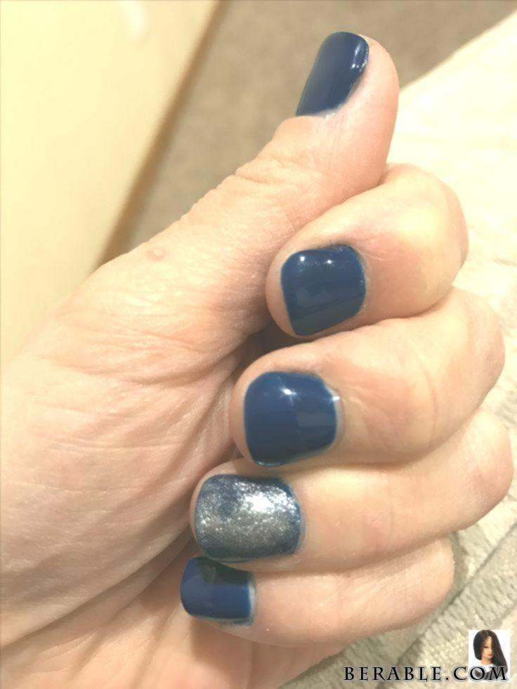 Nails navy