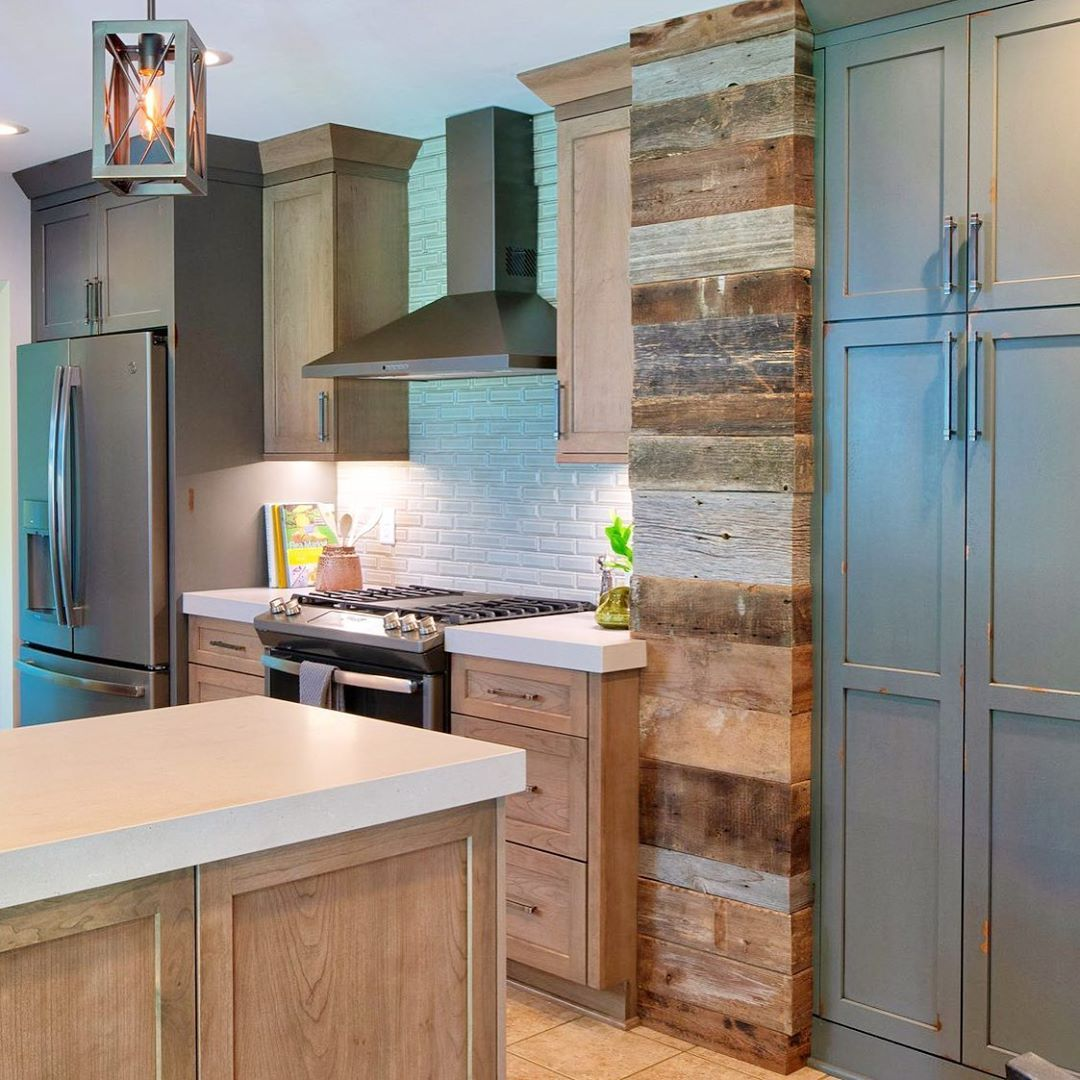 When Your Kitchen Looks Like Nobody Elses Stop By Our Westbury Showroom To These And Other Dura Supreme In 2020 Kitchen Dura Supreme Cabinets Two Tone Kitchen