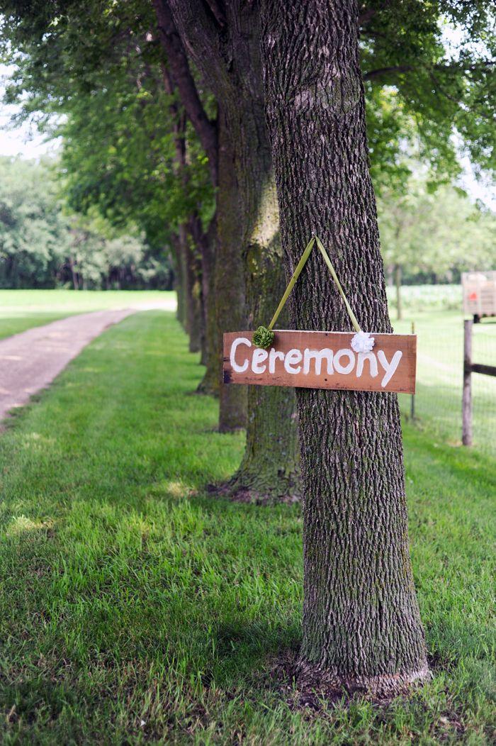 reclaimed wood wedding detail