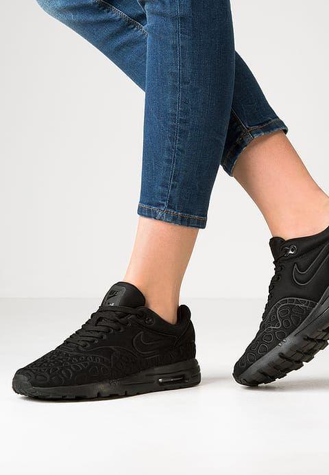 more photos 40927 e5e3b Sneakers laag Nike Sportswear AIR MAX 1 ULTRA PLUSH - Sneakers laag -  blackwhite