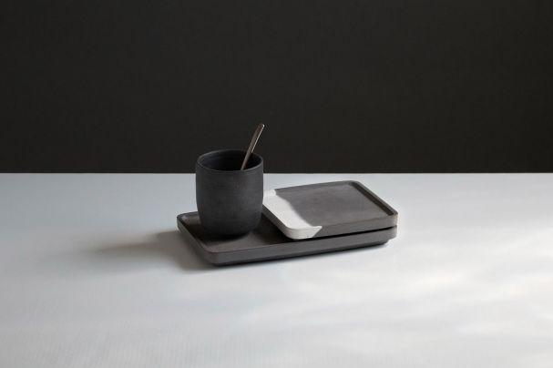 Die Designerin Congsu He entwirft für ihr Label Cohe filigrane Schreibtisch-Accessoires aus Beton.