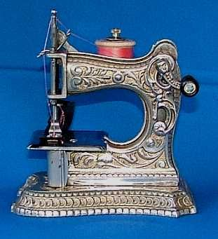 Muller model 6 toy sewing machine 1894 - 1914 - SEWALOT