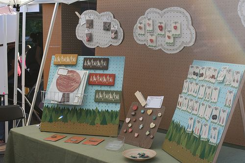 "14 craft fair ""do's"" my favorites are provide a mirror if your items are wearable, and use your ""branding"" in your display"