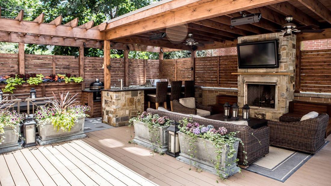 Outdoor Entertainment Area Ideas Outdoor Design On The Deck Backyard Entertaining Area Backyard Entertaining Backyard Pergola
