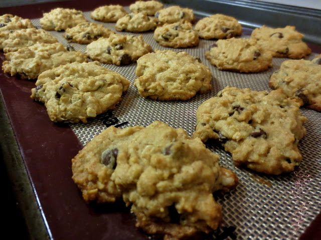 oat-rageous peanut butter chocolate chip cookies | Cookies ...