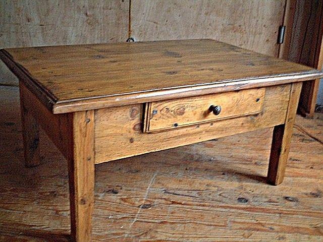 Table basse en pin ancienne et rustique tiroir en fa ade - Table de salon rustique ...