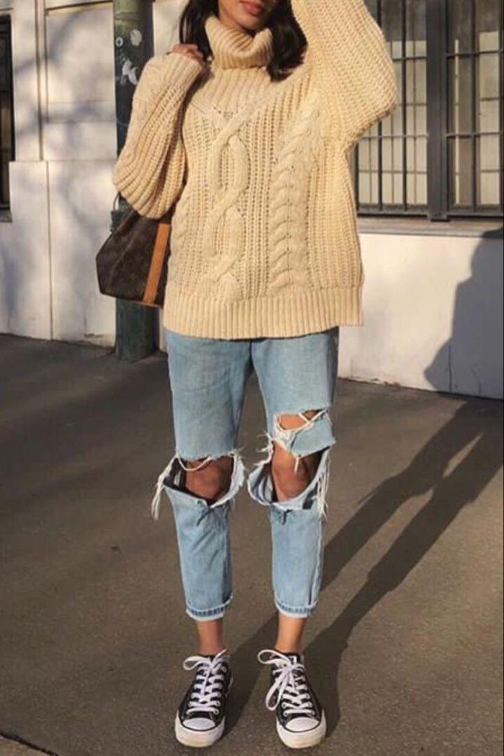 bd2c073251b33 Mode femme tenue casual printemps avec un jean troué