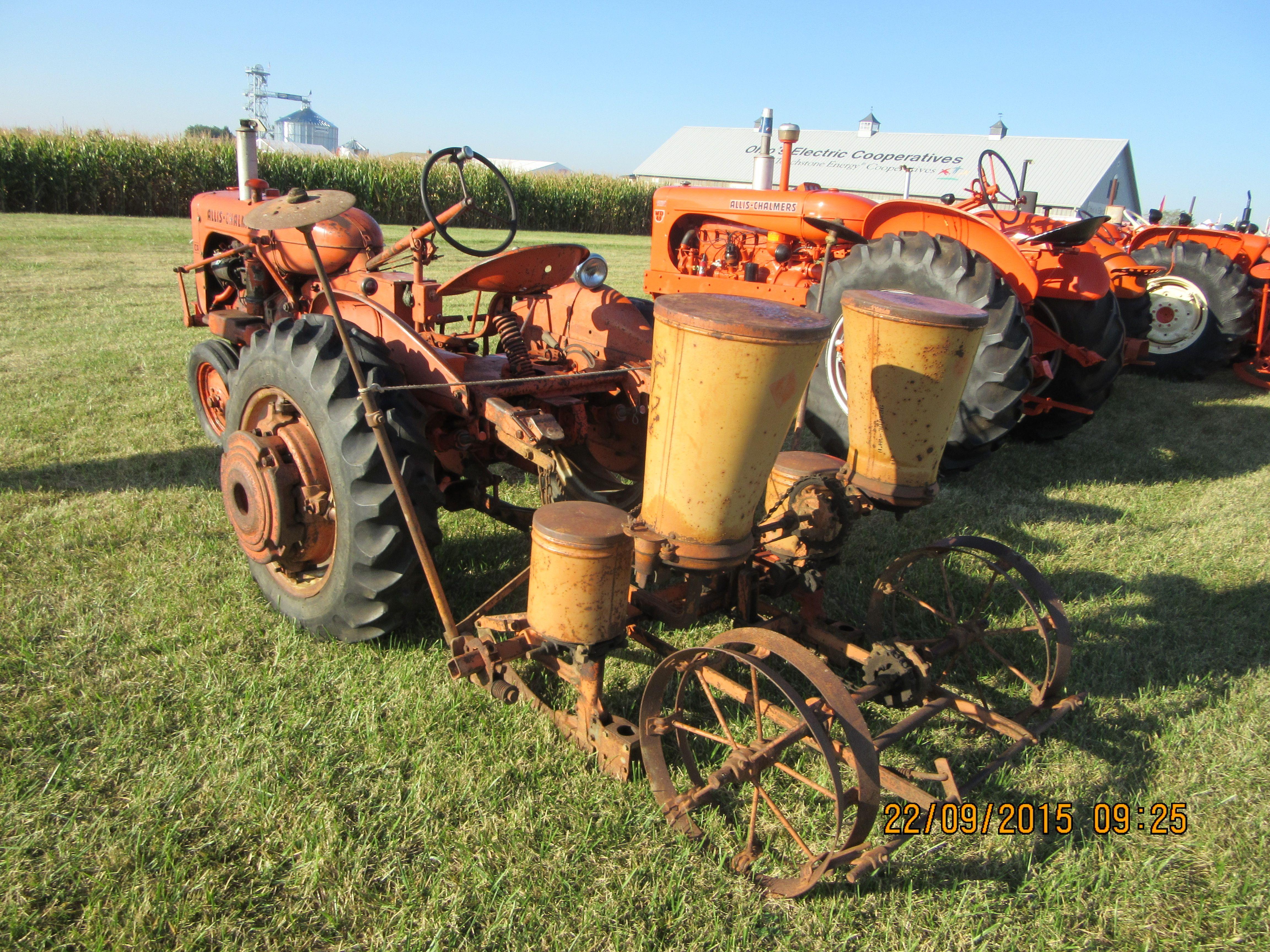 Allis Chalmers Ca With 2 Row Corn Planter Tractors Pinterest