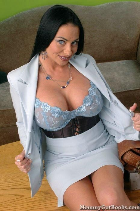 Mujeres tetas desnudas enormes gratis
