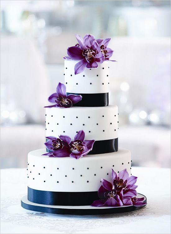 Black And White Wedding Cake With Purple Flowers Weddingcake Polkadots Blackwhite