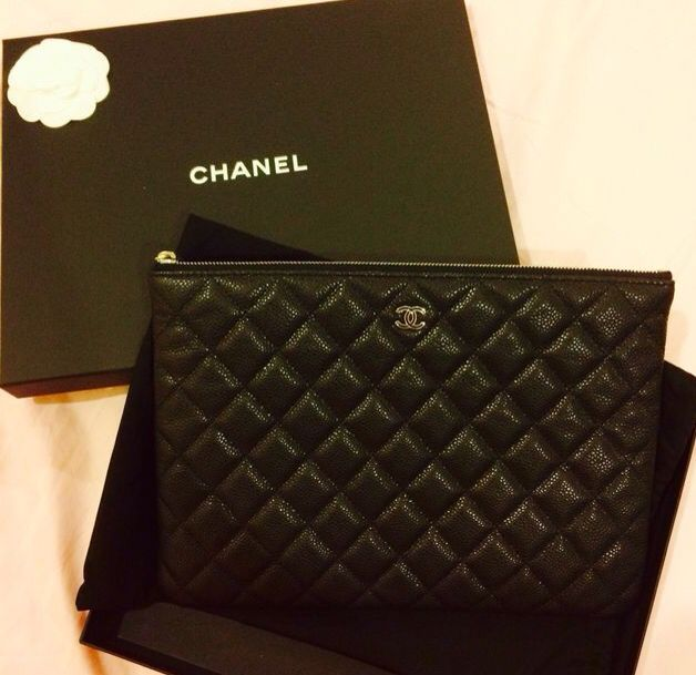 1f00165cc97 Chanel quilted pouch. | Arm candy in 2019 | Chanel men, Fashion bags ...