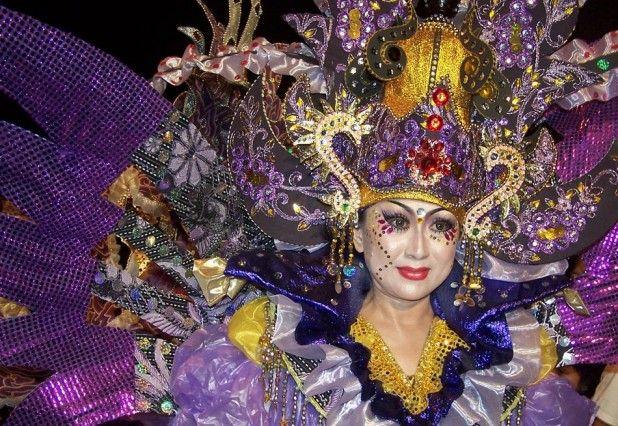 Desain Baju Karnaval
