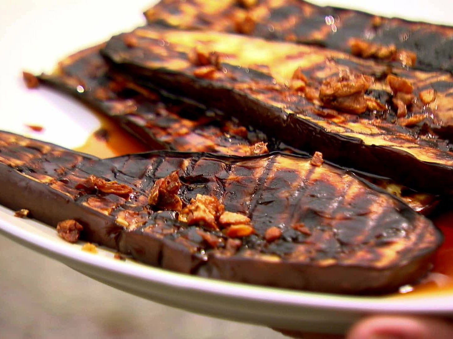 Grilled eggplant with sherry vinegar drizzle receta recetas de grilled eggplant with sherry vinegar drizzle forumfinder Choice Image