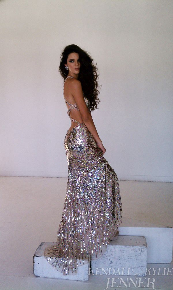 Kendall Jenner Stuns in Sherri Hill Spread (PHOTOS) | Jenners ...