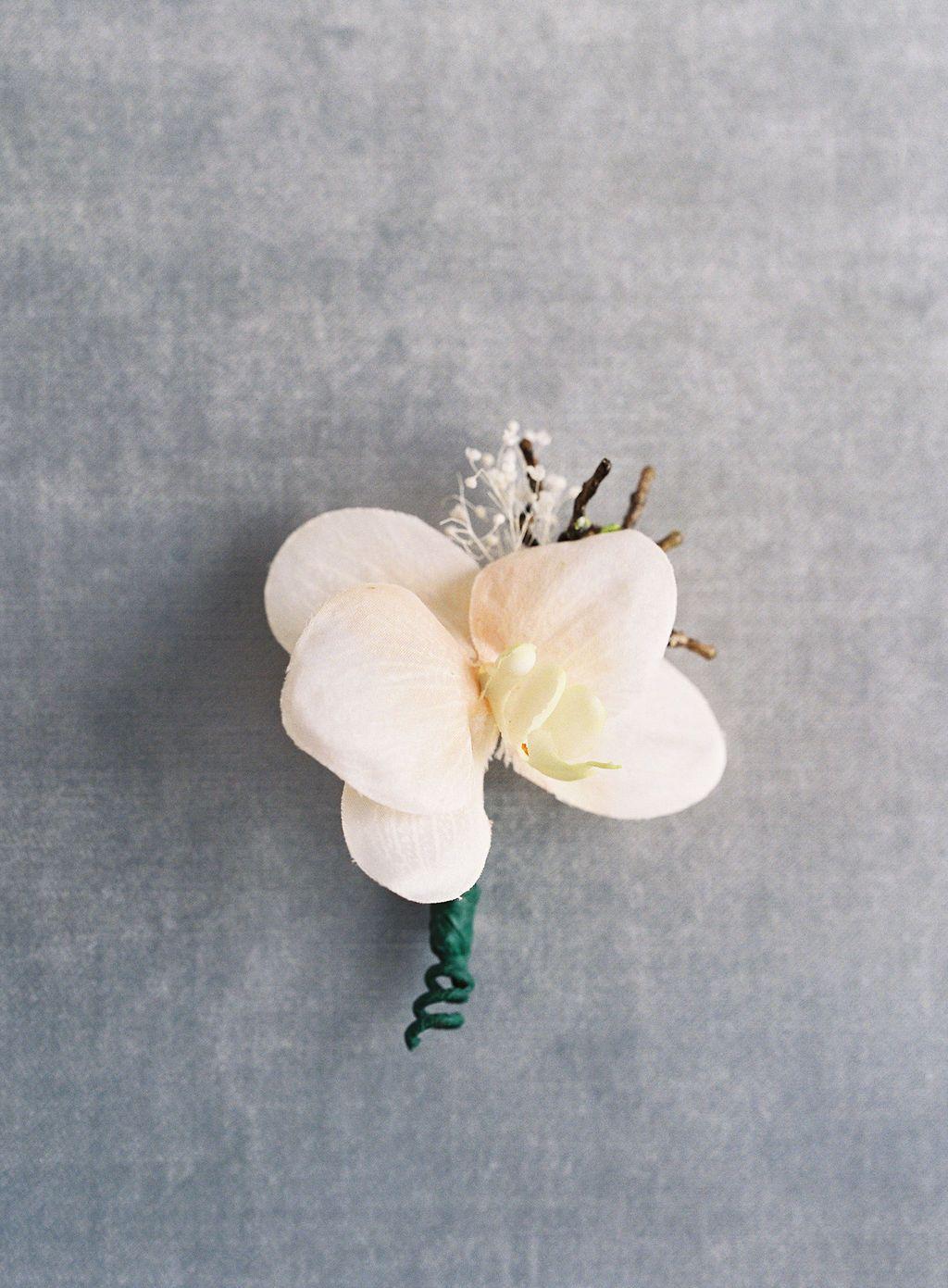 Something Borrowed Blooms In 2020 Silk Flowers Wedding Wedding Flower Alternatives Wedding Flowers