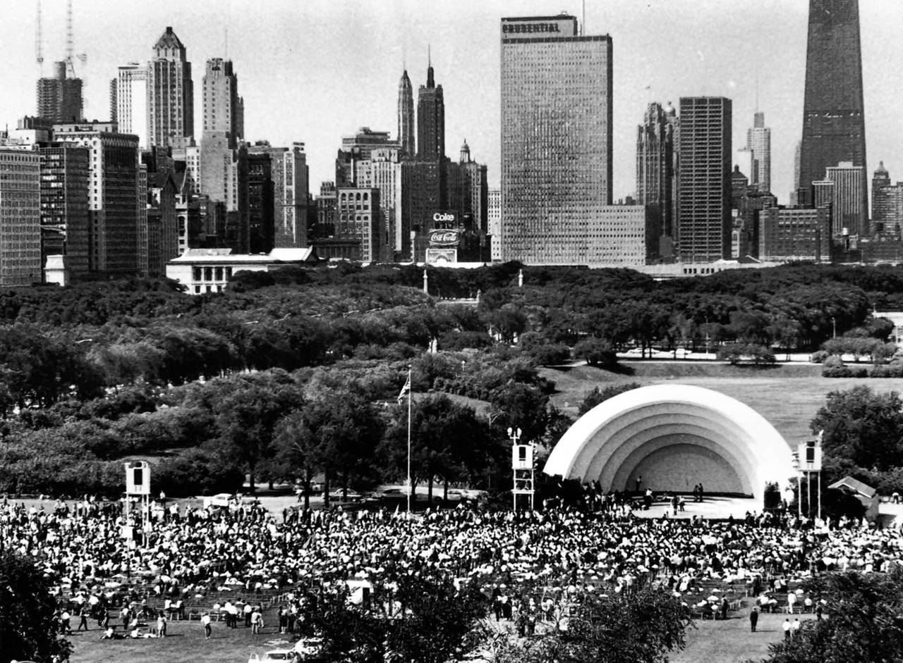 An Overall Of Chicago S Grant Park Band Shell In The Summer Of