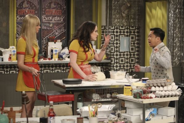 Highlights From The Nineth Episode Of Season 3 Of 2 Broke Girls