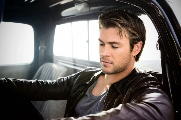 What a hunk...Chris Hemsworth (With images) Chris