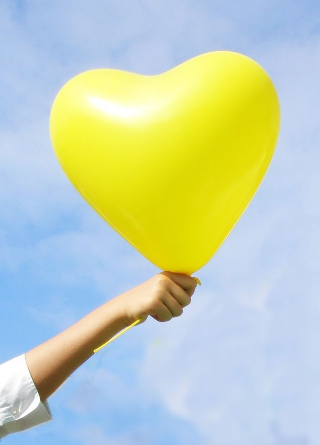 yellow heart balloons pinterest jaune couleur jaune and couleur