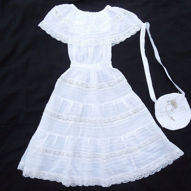 First Communion Dress #mexicanfirstcommuniondress #madeinMexico #mexicanmasterpieces #vestidoprimeracomunion #girlmexicandress #mexicandress