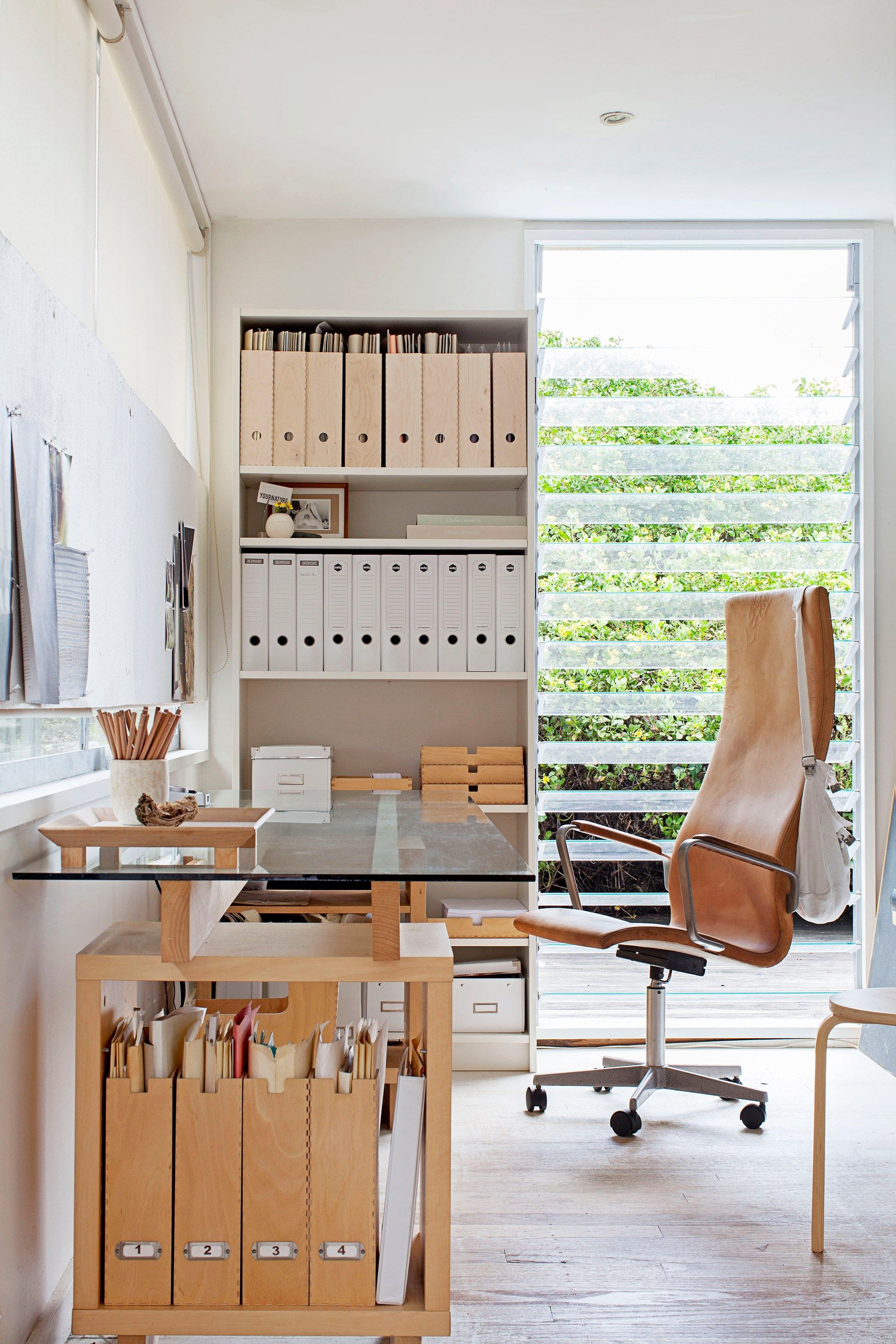 8 Scandinavian style decorating tips | Small home office ...