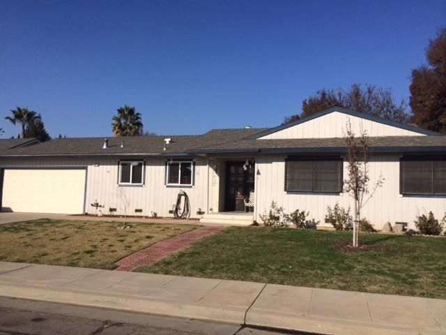 Traditional Sale Cute And Clean Close To Clovis High School Nice Neighborhood Great For First Time Buyer Or Investment Property The Neighbourhood Property