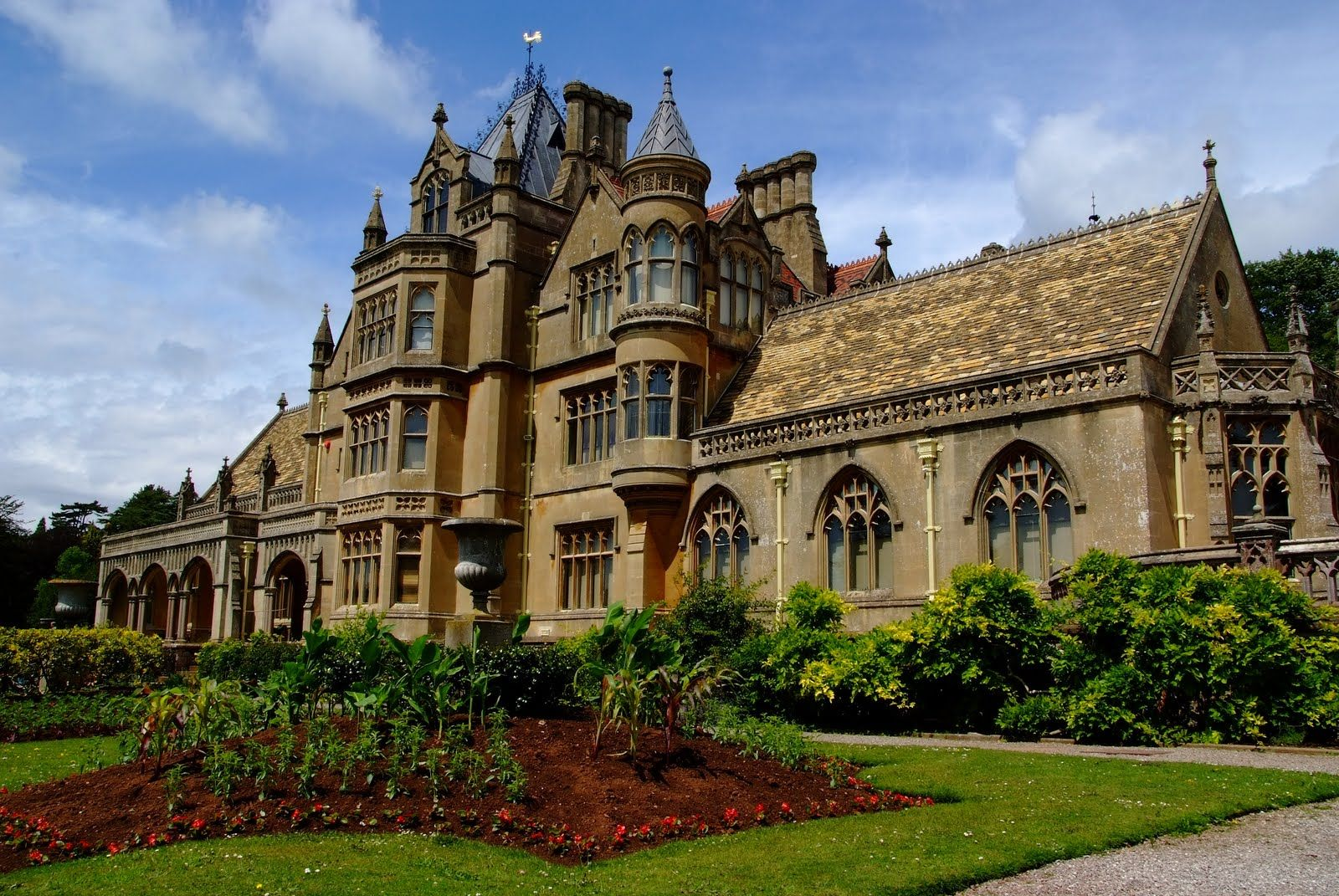 Tyntesfield manor house grand victorian gothic revival for Victorian manor house
