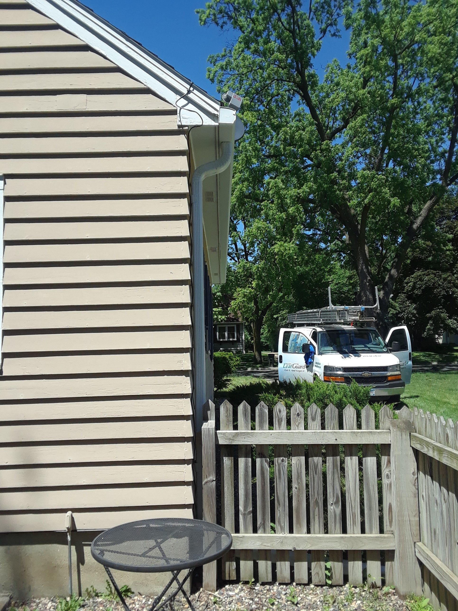 Leafguard Gutters Installed In Hutchinson Mn Gutters Seamless Gutters Curb Appeal
