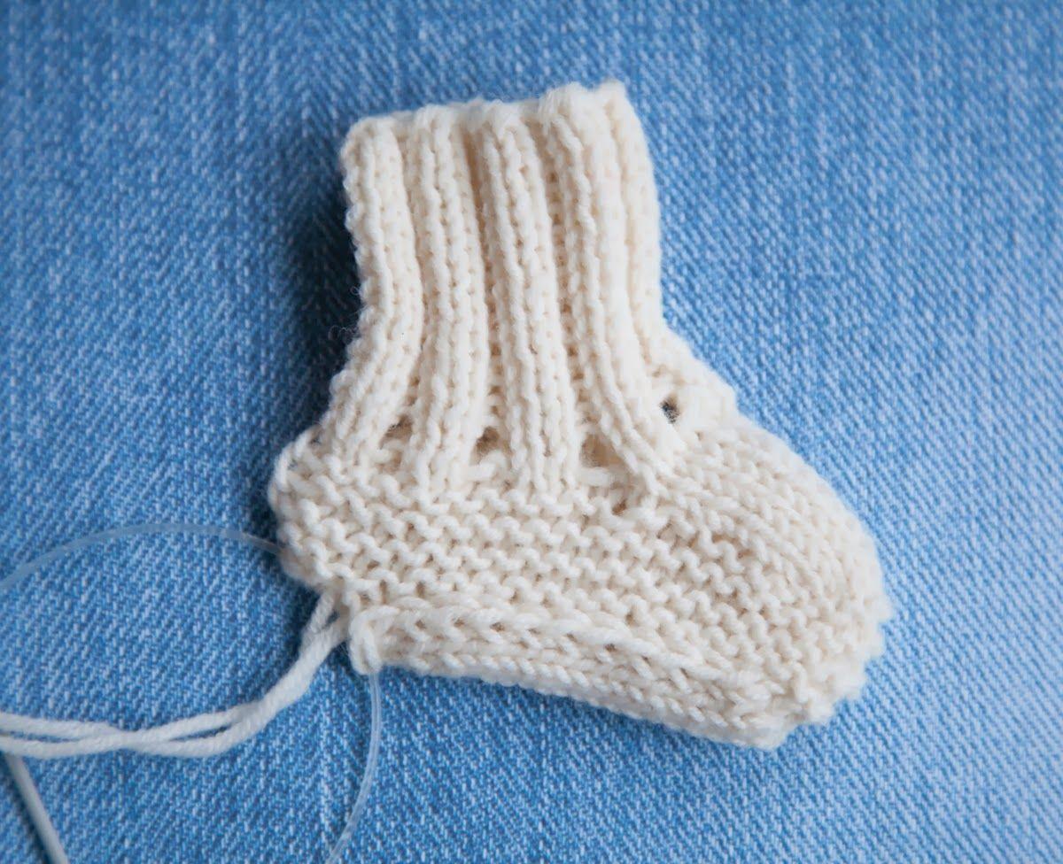 Free baby booties pattern Baby booties ugg free knitting pattern ...