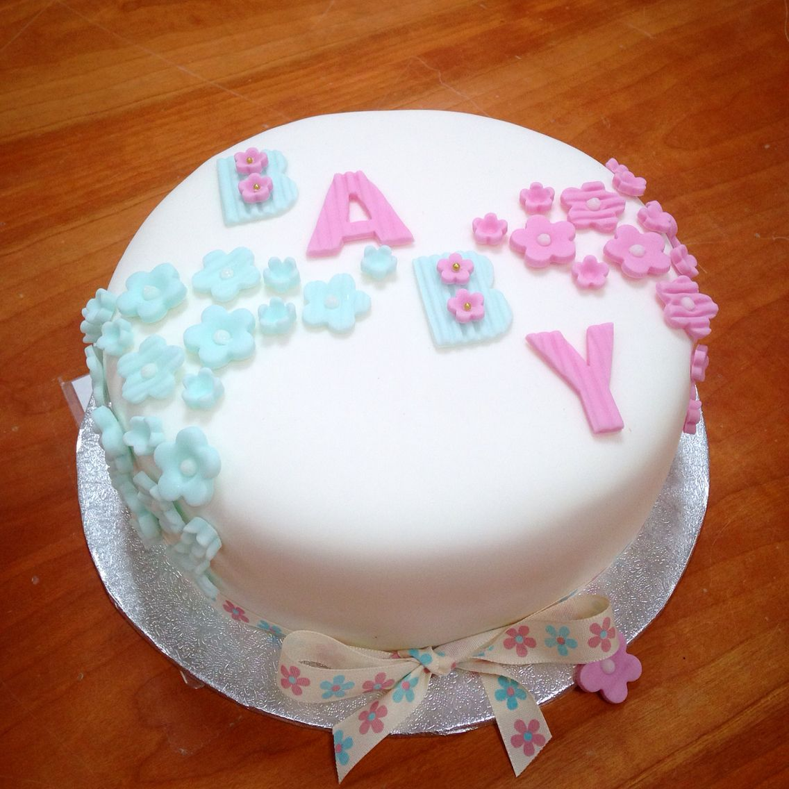 Unisex Baby Shower Cake With Images Unisex Baby Shower Cakes