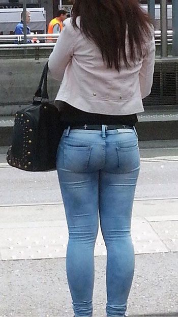 Tight asses in jeans