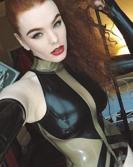 Blog + busty + boobs
