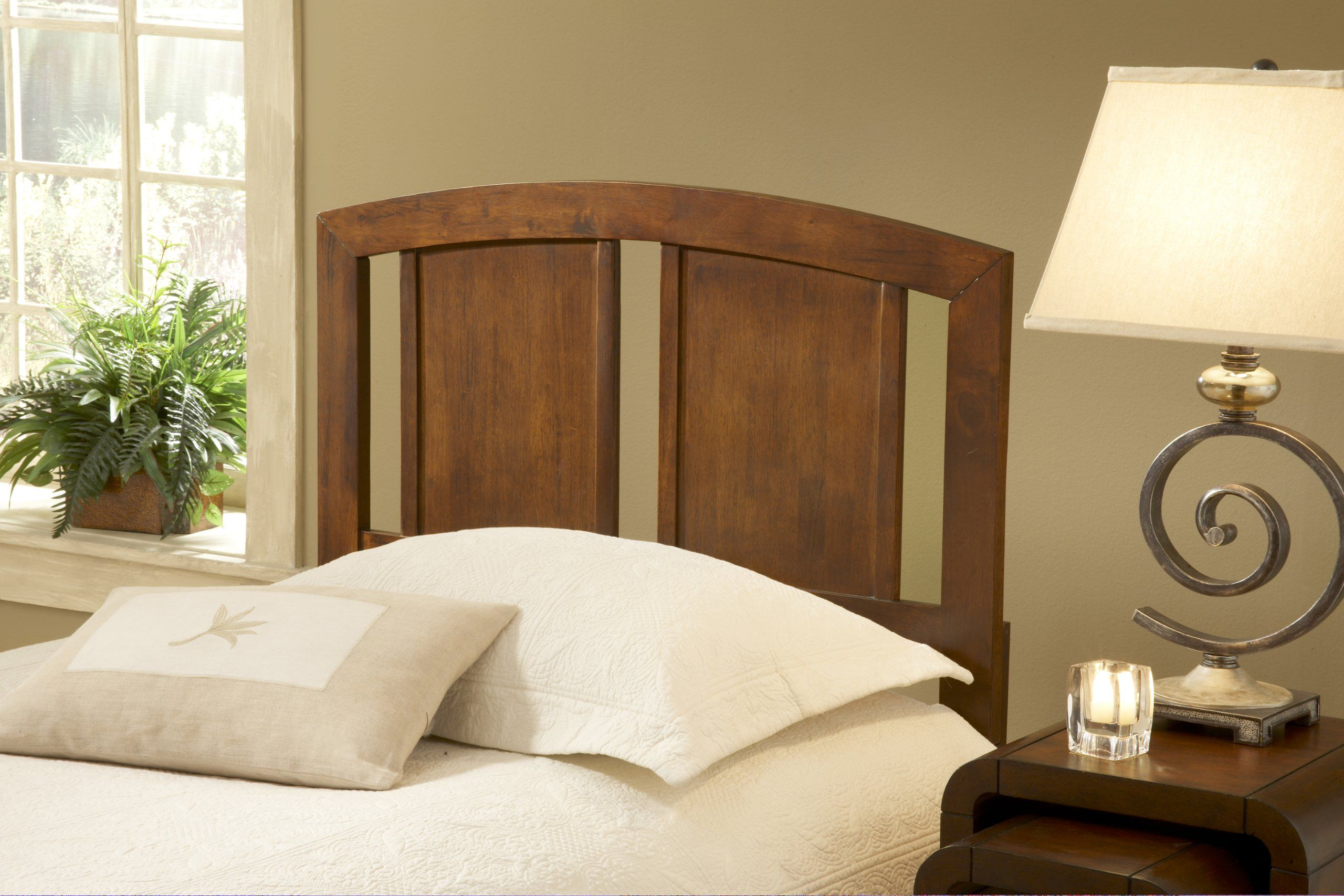 Robot Check Slatted headboard, Hillsdale furniture