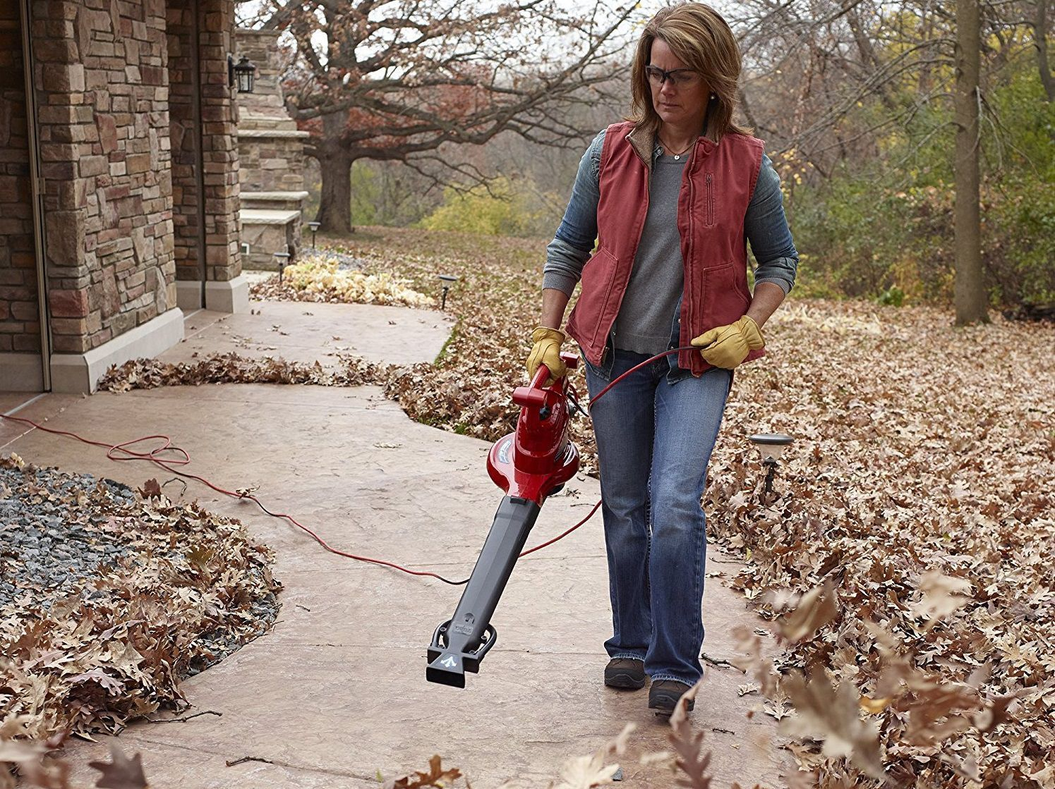 The 4 Best Leaf Blowers Money Can Buy Leaf Blowers Electric Leaf Blowers Leaf Blower