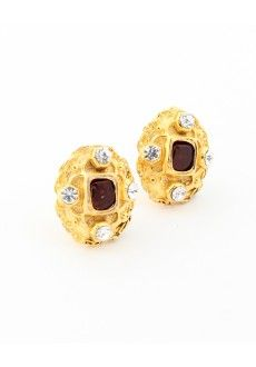 Vintage Chanel Byzantine Gripoix Earrings, check out that hammered detail :)