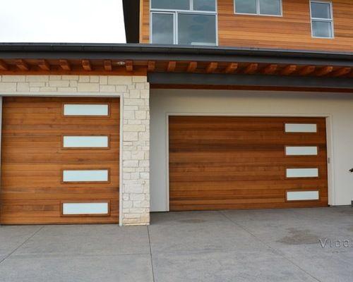 Get Best Garage Door Repair Services In San Diego At Affordable Prices Visit More Http Www Lockoutgar Carriage House Doors Residential Garage Doors Doors